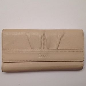 COACH ASHLEY CREAM LEATHER CHECKBOOK WALLET